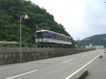 智頭急行線・上郡行普通列車単行ディーゼルカー(HOT3500形)