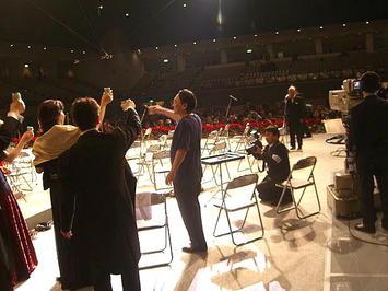 「第九ひろしま2008」合唱団団長の掛け声に合わせて全員で「乾杯!」《081221撮影》
