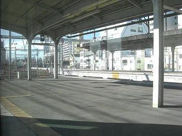 神戸駅を発車しようとする播州赤穂行き新快速《091219撮影》