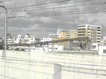 姫路市営モノレールの遺構(レール)。ズーム撮影したもの《091219撮影》