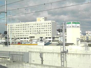 姫路市営モノレールの旧大将軍駅の入っている建物とレール(遺構)《091219撮影》