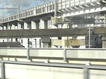 山陽新幹線高架と交差する姫路市営モノレールのレール(遺構)《091219撮影》