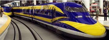 """カリフォルニア州高速鉄道局(CHSRA)公式Webサイトのトップ・ページに掲載されている完成予想イメージ(フラッシュ形式)の一コマとしてキャプチャした700系""""カリフォルニア高速鉄道仕様""""車両。現段階では「ウソ電」となってしまうが、これもCHSRAの日本の新幹線技術に対するラブ・コールの表れともとれる。"""