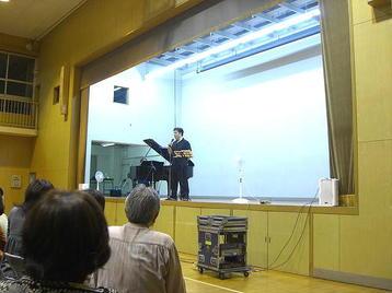 """「大阪5」クラス・5回目レッスンの後半に於ける""""シャッフル""""移動後の、私自身の立ち位置から見たステージ光景《11月11日撮影》"""