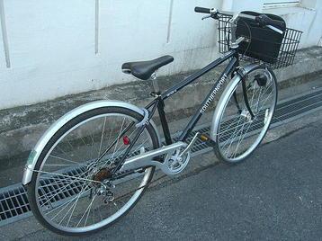 本番前日の「総合リハーサル」出席のため、この自転車にて日本橋筋「でんでんタウン」を経由して大阪城ホールへと向かいました。好天に恵まれていたので《101204撮影》