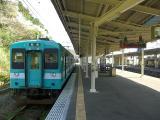 紀伊田辺0752発新宮行普通列車【串本駅にて;2007-04-10】