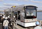次世代型低床路面電車「SWIMO(スイモ)」《写真画像出典:『FujiSankei Business i.』2007/12/13付け掲載記事→『次世代型路面電車「SWIMO」来春、受注開始…初の商用化』》